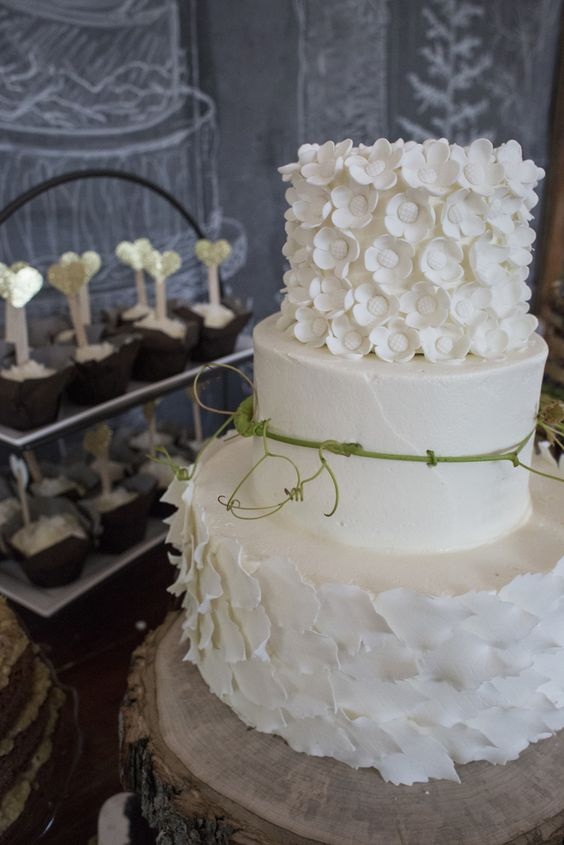 wedding-cakes-28-02152016-km