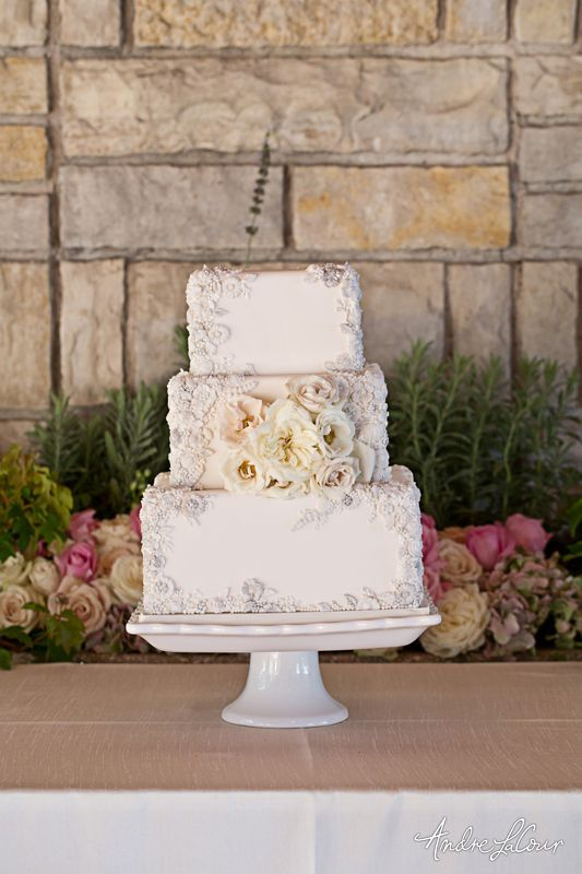 wedding-cakes-29-01312016-km