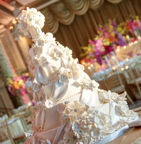 wedding-cakes-32-01312016-km