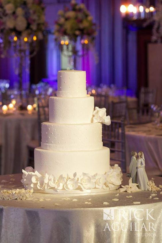 wedding-cakes2-20-01312016-km