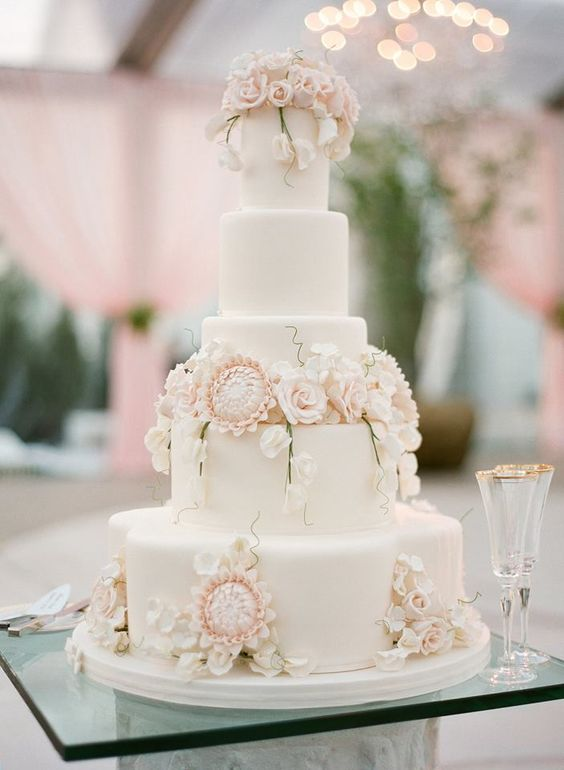 wedding-cakes2-27-01312016-km