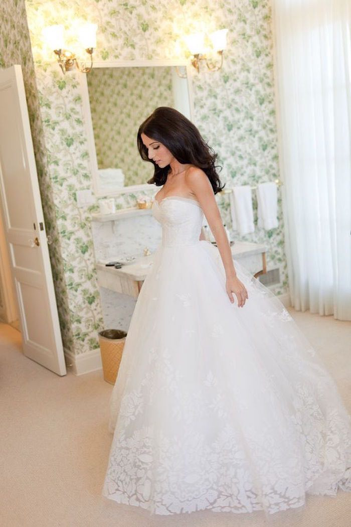 wedding-dress-rentals-4-091115ch