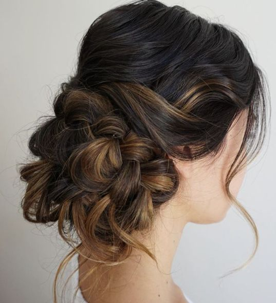 Low Loose Bun Hairstyles For Weddings: Messy Low Bun Wedding Hairstyle
